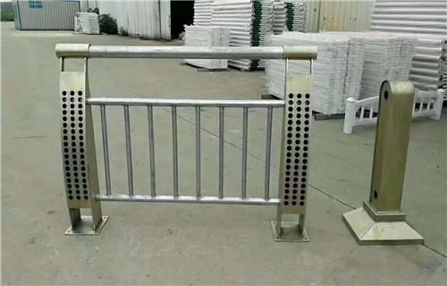 安康不锈钢复合管钢板立柱供应厂家