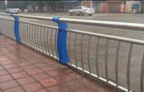 吕梁不锈钢复合管道路护栏生产厂家