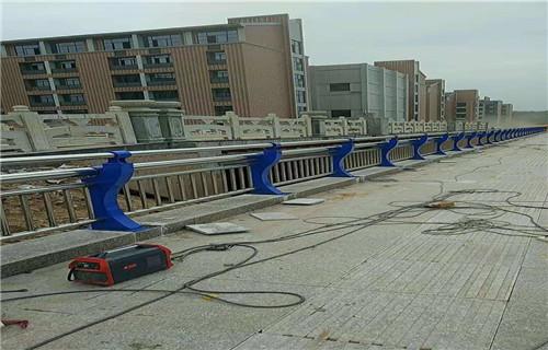 南宁不锈钢碳素钢复合管护栏批发低价