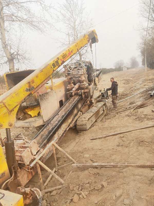 北京大兴区黄村地下穿越管道沙士注浆打孔