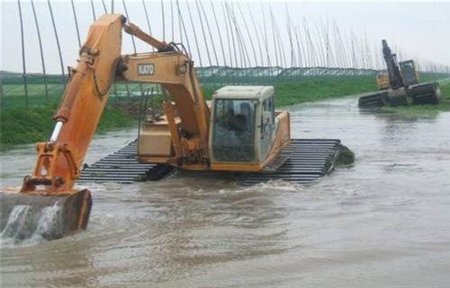安康水上挖掘机