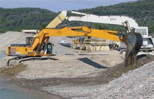唐县湿地挖机销售