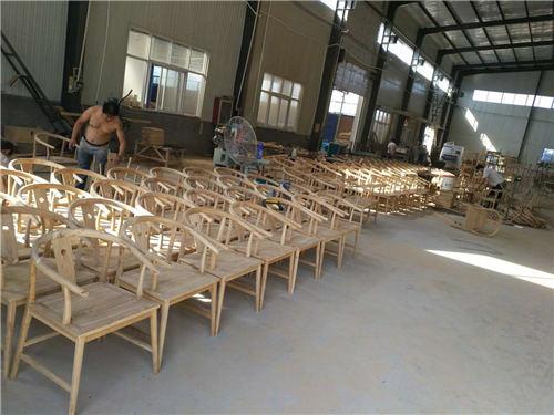 海南新中式实木餐椅古典家具的造型