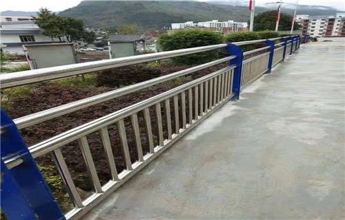 嘉峪关天桥防护用不锈钢护栏质量优越