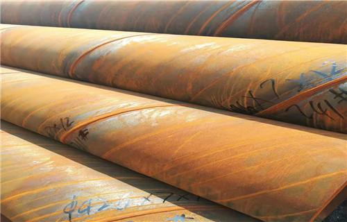 2,镀锌螺旋风管垂直安装,间距不应大于4m,单根直管至少应有2 个固定