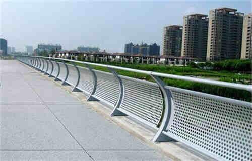 乌兰察布不锈钢河道护栏采购