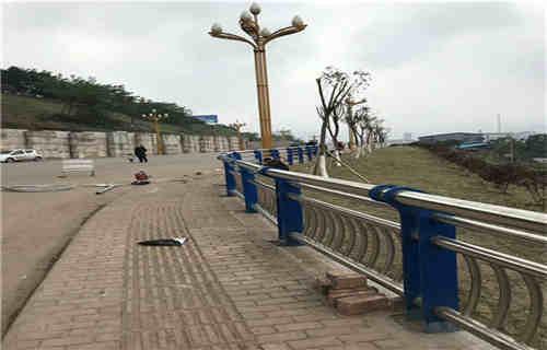 文山不锈钢复合管护栏扶手生产厂家