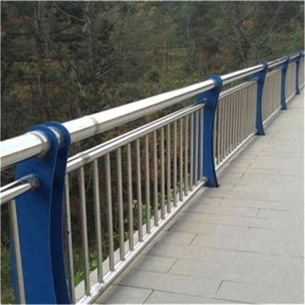 张家界桥梁护栏立柱厂家质量