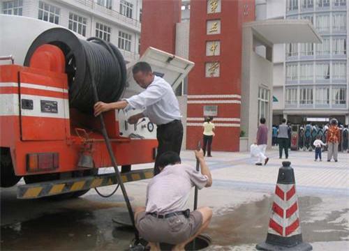 阿坝 清掏化粪池专业机构数十辆清污设备