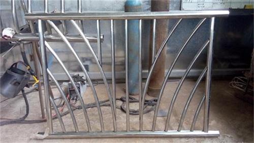 辽宁城市建设人行道护栏批发价格低