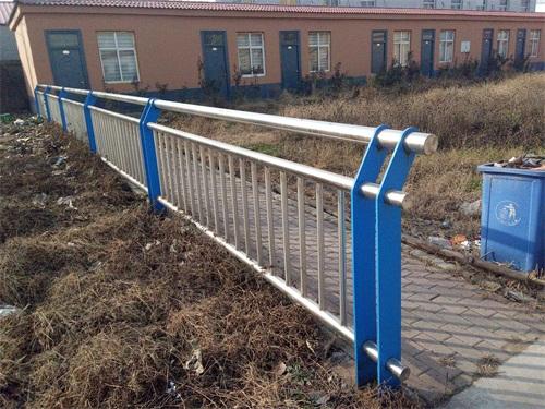 北京304桥梁不锈钢立柱制造商