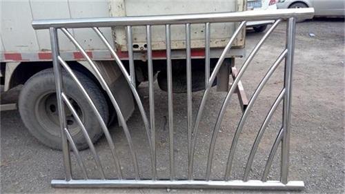 北京城市过街天桥护栏厂家制造