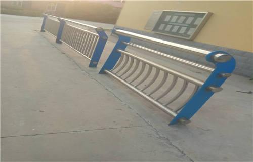 黑龙江不锈钢复合管护栏厂结实耐用