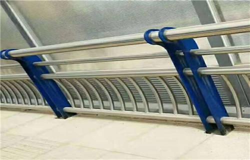 廊坊  不锈钢桥梁防撞立柱严格质检