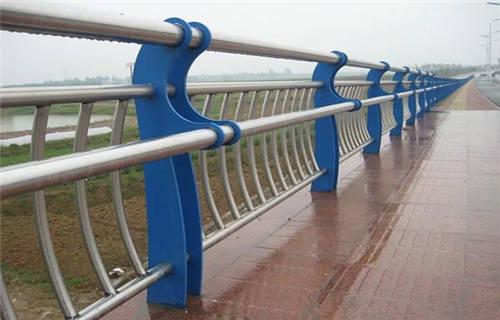 黑龙江三油二布内衬不锈钢复合钢管规格齐全
