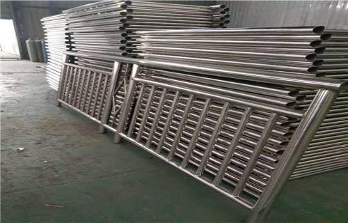 沧州三油二布内衬不锈钢复合钢管