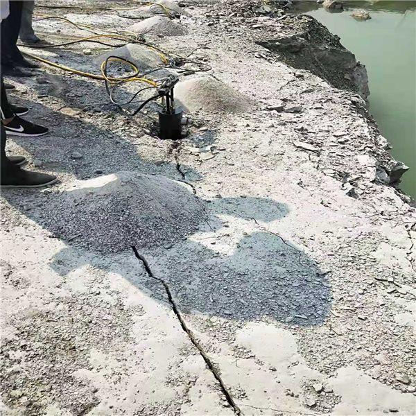 湖南矿山硬石头分裂用劈裂机