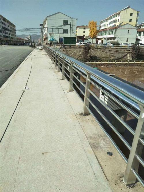 黑龙江不锈钢碳素钢复合管维护