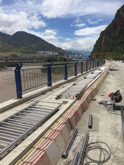西宁桥梁安全护栏价格查询
