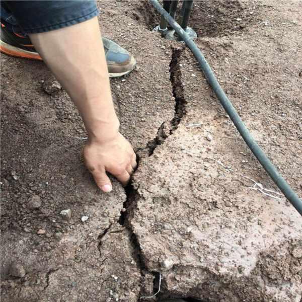 西宁矿山开采顶石机