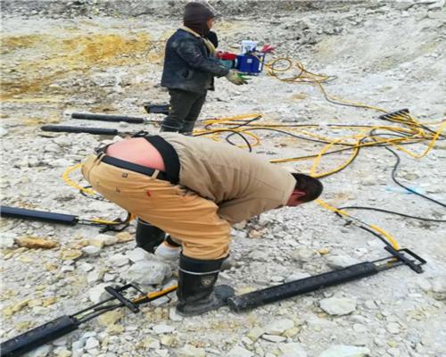 湖南钢筋混凝土岩石劈裂机