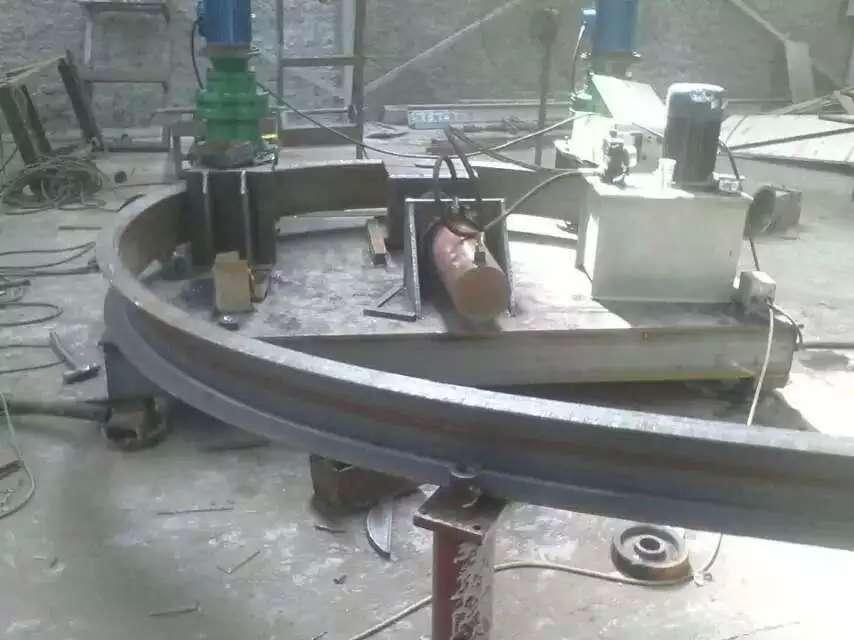 山东东营295H型钢弯曲机用地铁施工拱架加工弯曲机