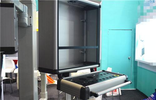 北京15寸工业显示器箱十年老厂家
