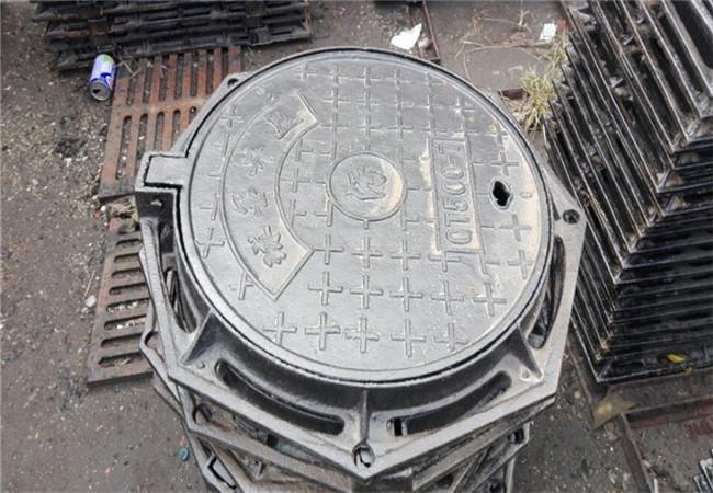 青海球墨铸铁井盖DN700压力井盖2019新价格表