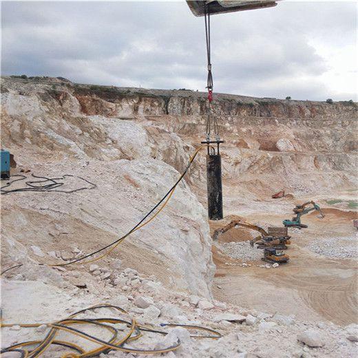长春二道建设基坑开挖石头机器
