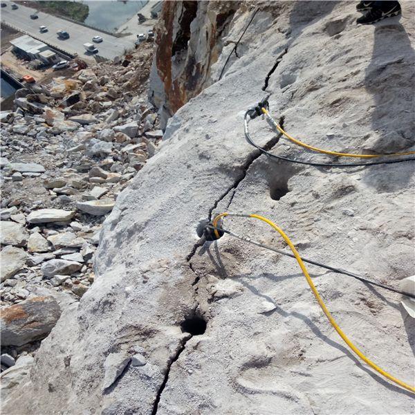 镇坪竖井开挖遇到石头用劈裂机效益怎么样