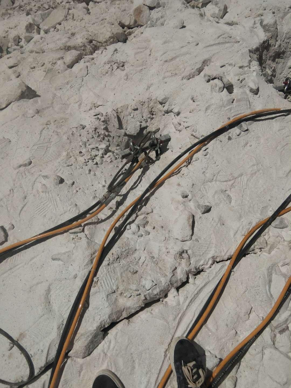 漳州岩石分裂器煤矿矿井荒料开采工作效率高