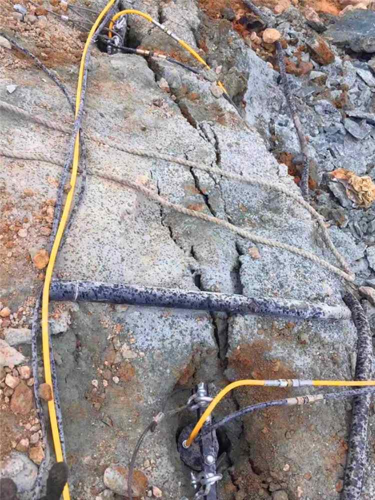廊坊液压劈裂岩石分裂劈裂机