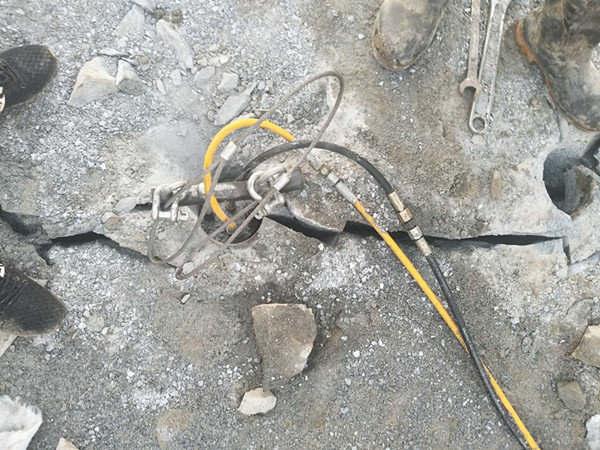 安庆供应小型矿山柱塞式劈裂棒