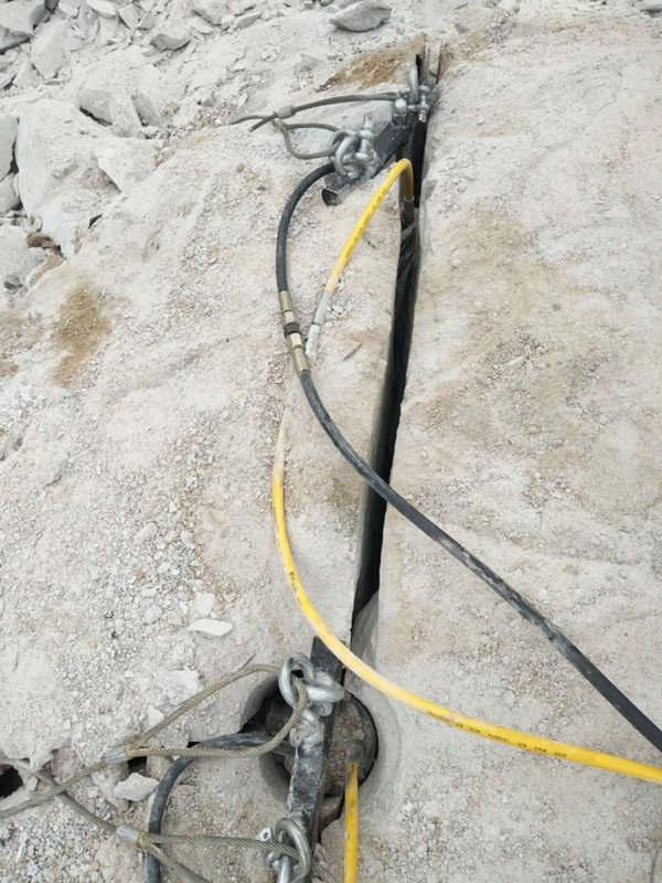 湖南石灰石道路修建开采石头撑裂机