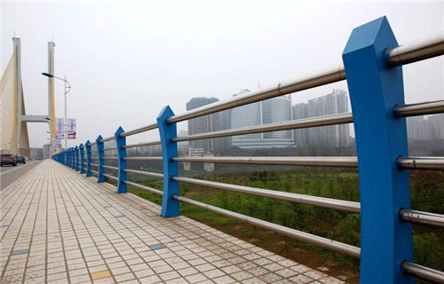 江西304不锈钢复合管栏杆欢迎考察【亮洁护栏】
