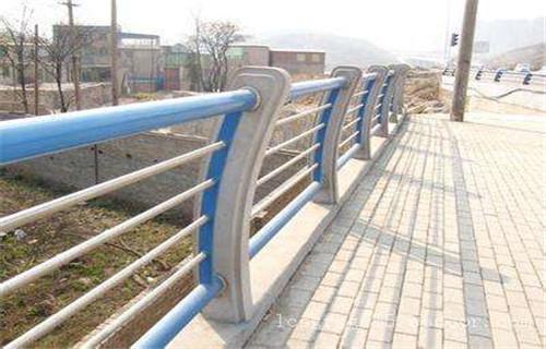 江苏不锈钢复合管栏杆生产工厂【亮洁护栏】