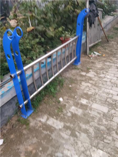 西藏不锈钢复合管城市护栏工厂