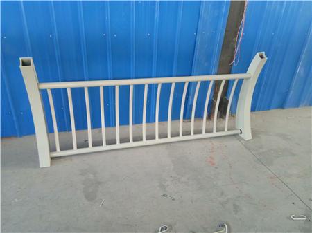西宁不锈钢复合管异型栏杆设备精良