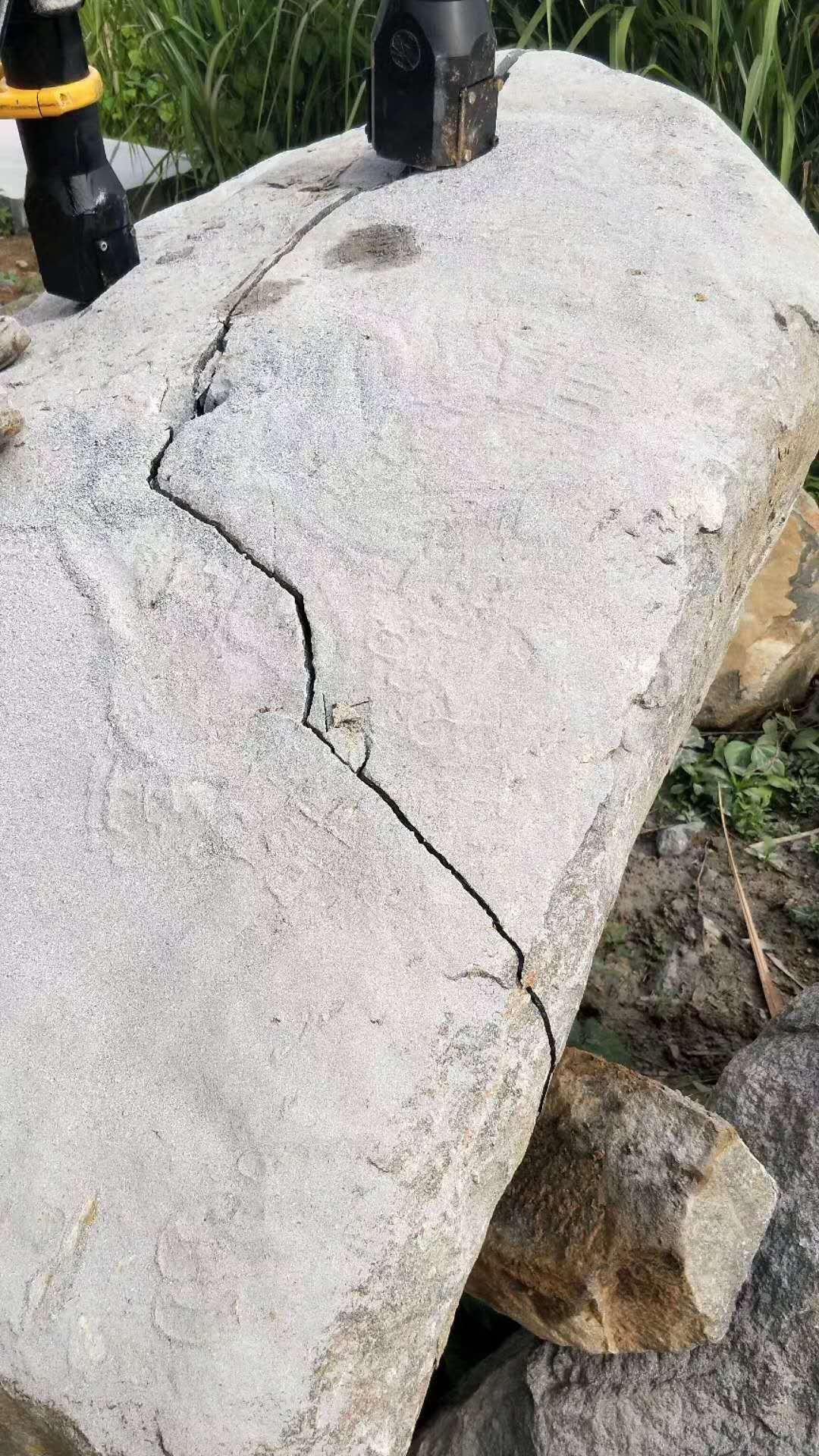 湖南山解体岩石碎石裂石用撑石机供应