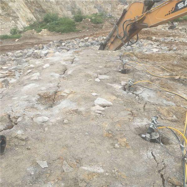 湖南挖机打不动的岩石用什么设备挖分裂器