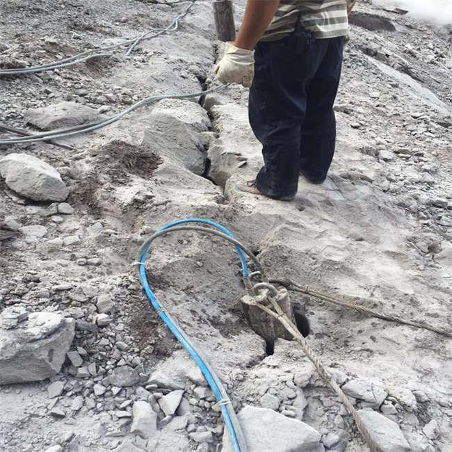 海南修路破石头开采矿山岩石设备破石机