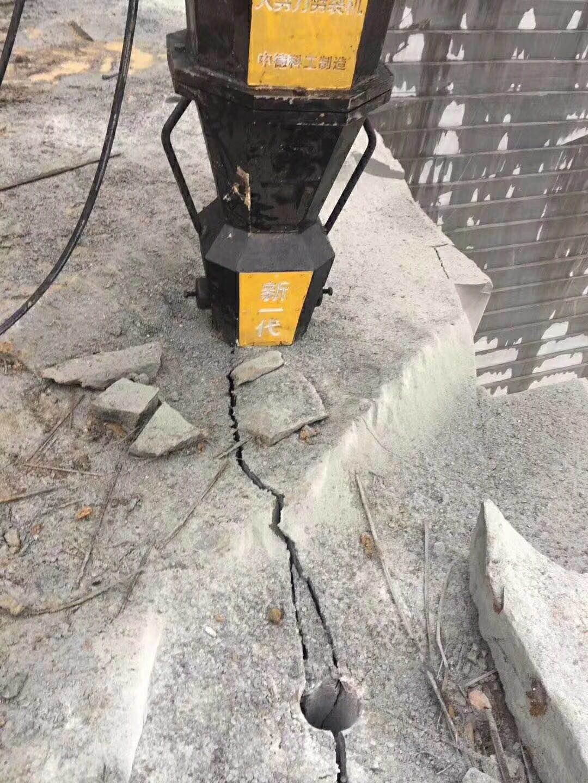 北京门头沟代替破碎锤裂石头的设备如何快速破石头