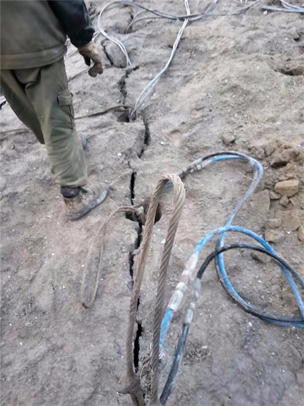 宁德蕉城水下施工遇到岩石炮锤打不动人工如何破裂