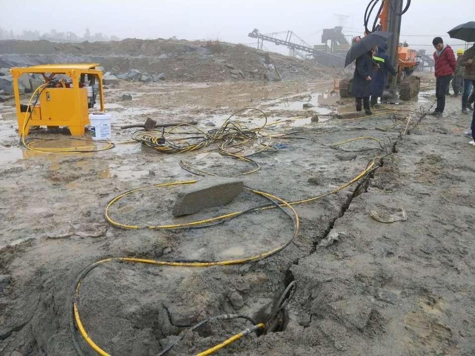 洛阳涧西可以节省成本产量高的快速破石头设备
