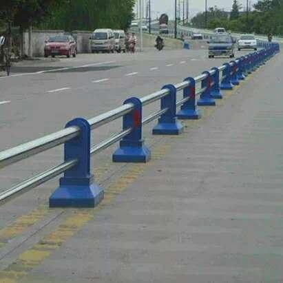 湖南碳素钢不锈钢复合管栏杆相关内容【金俊豪金属制品】