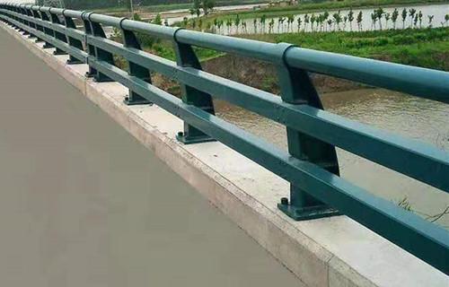 驻马店防撞家庭栏杆展翼不锈钢护栏