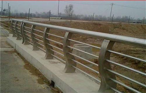 威海栏杆生产厂家价格展翼金属