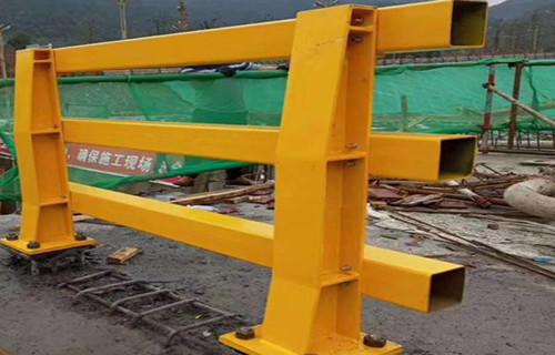 内江不锈钢复合管护栏道路栏杆施工方案