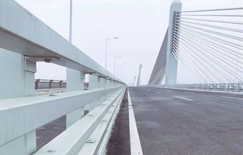 内江展翼护栏高速施工方案