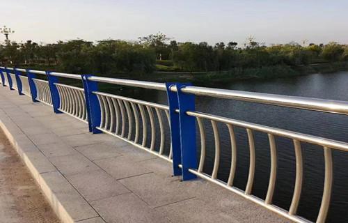 海口桥梁防撞护栏展翼护栏展翼金属